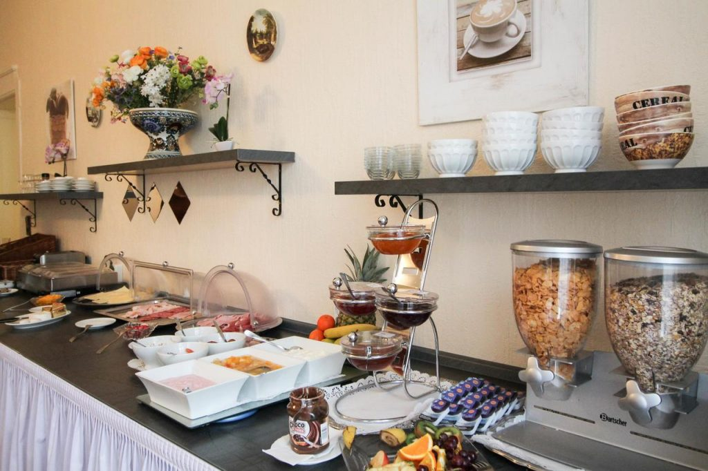 Fühstück bei Hotel Margrit, Berlin